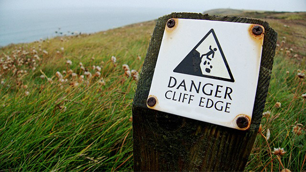 danger cliff edge-600
